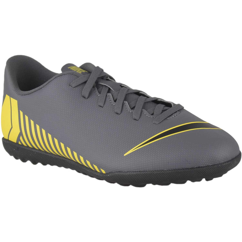 97ad093a5b0 Zapatilla de Jovencito Nike Negro   amarillo jr vapor 12 club gs tf ...