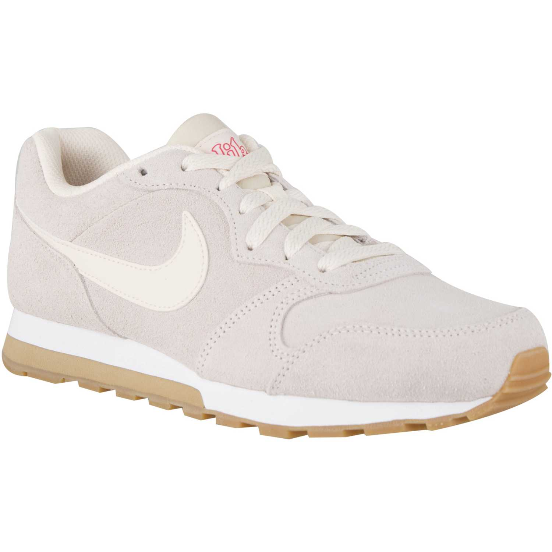 0768c6e66 Zapatilla de Mujer Nike Nude   Blanco wmns nike md runner 2 se ...